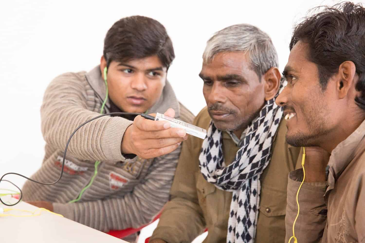 Oral Bible Storying helps a man in India start six story groups - #GivingTuesday - #GivingStoryDay - StoryRunners